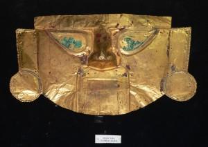 Máscara Lambayeque del Museo del Oro Lima