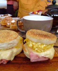 Desayuno de sanguches en Lima