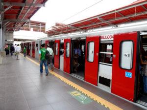Vagones de la linea 1 metro de lima