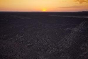 Vista aerea de atardecer en lineas de nazca Peru